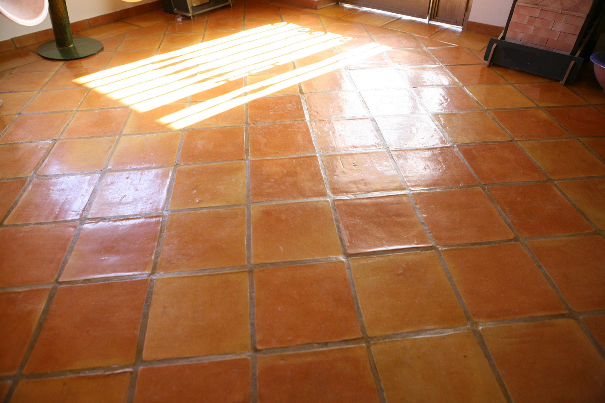 C mo hacer un buen barnizado en pisos de barro 95 278 35 01 el esplendor san pedro s l - Como limpiar suelos de barro ...